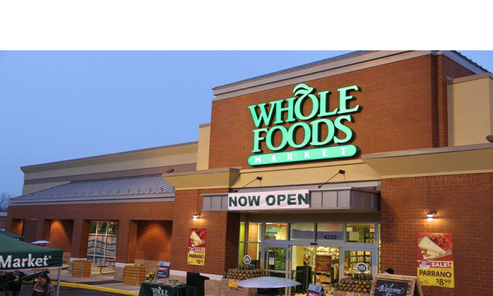 Whole Foods Grocery Store in Town & Country Missouri a new free standing 63,000 square foot commercial retail building by Luke Draily Construction in Kansas City